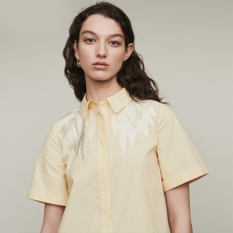 Women Shirt 2019 Spring and Summer New Contrast Color Embroidery Short sleeved Shirt