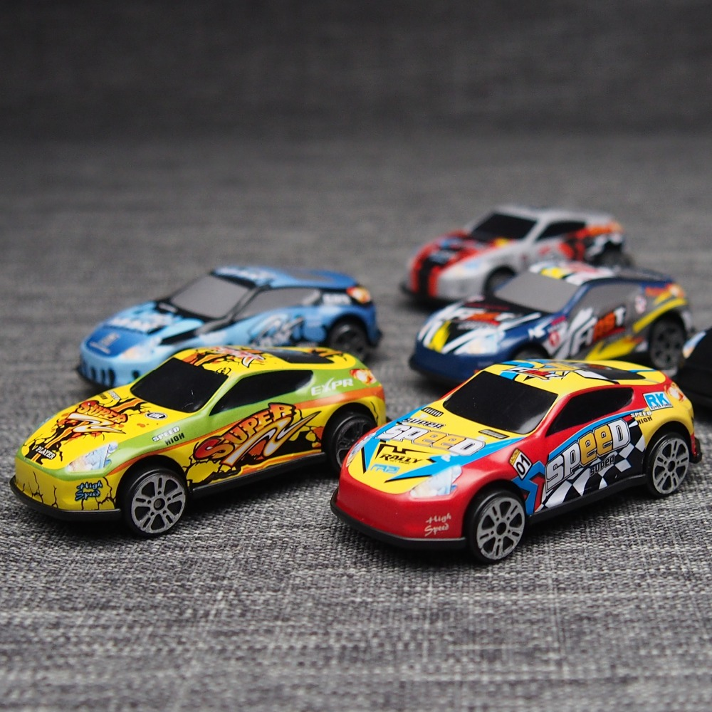 6 STKS Racing Plastic Cars PARKING LOT Speelgoed Wielen Mini Auto - Auto's en voertuigen