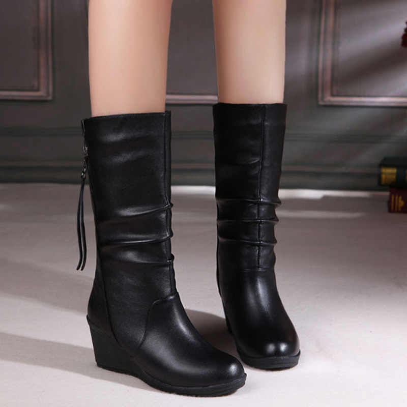 ฤดูหนาว 2018 รองเท้าบู๊ท WEDGE กลางลูกวัวรองเท้าบูทรองเท้าผู้หญิงรองเท้าสีดำรองเท้าหนังรองเท้ารอบ Toe LADIES รองเท้า