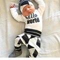 Brand new Bebê Recém-nascido Da Menina do Menino roupas definir carta impressão Olá mundo 3 pcs ternos Tops Calças Compridas conjuntos de Roupas Chapéu do bebê