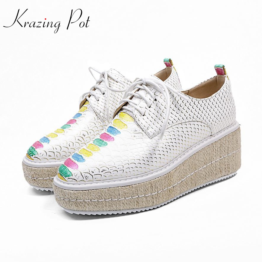 Krazing Pot 2018 big size brand shoes Graffiti pattern wedges women pumps round toe causal young preppy style lace up shoes L17