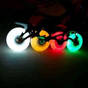 1 шт. наружные крутые мигающие роликовые колеса 90A PU светодиодные мигающие встроенные колеса для катания на коньках 76 мм роликовые ролики дл...