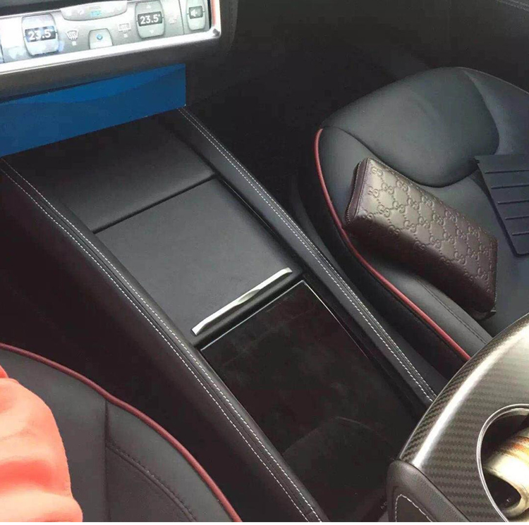 Customized Integrated Control Box Armrest For Tesla Model