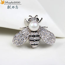 Maple Leaf 2000 Bee Creative Bros Mutiara Jarum Wanita Indah Retro Gaya Lucu Aksesoris Pesta Wanita Lapel Bros Perhiasan(China)