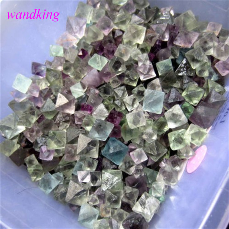 Spécimen original de pierre gemme de cristal de fluorite chromatique octogonal Rare de 500g