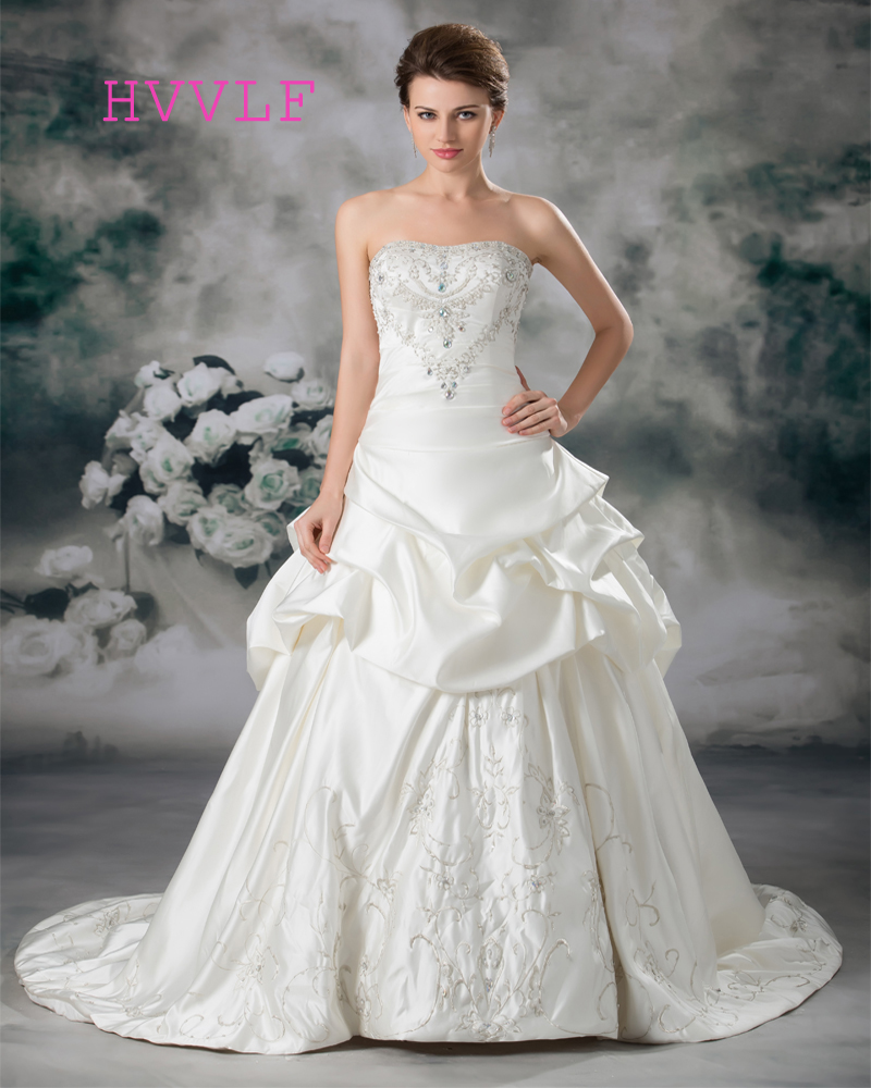 Luxurious 2019 Wedding Dresses Ball Gown Strapless Embroidery Crystals Beaded Boho Wedding Gown Bridal Dresses Vestido De Noiva