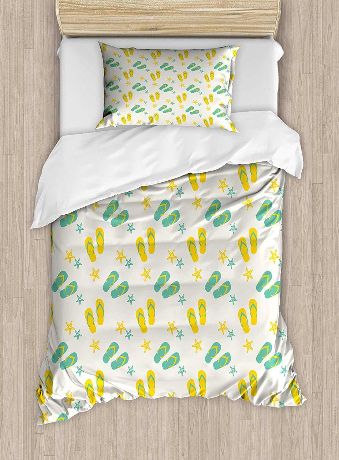 Geometric Duvet Cover Set, Flip Flops and Starfishes Beach Elements Exotic Poolside Theme Pattern, 4 Piece Bedding Set