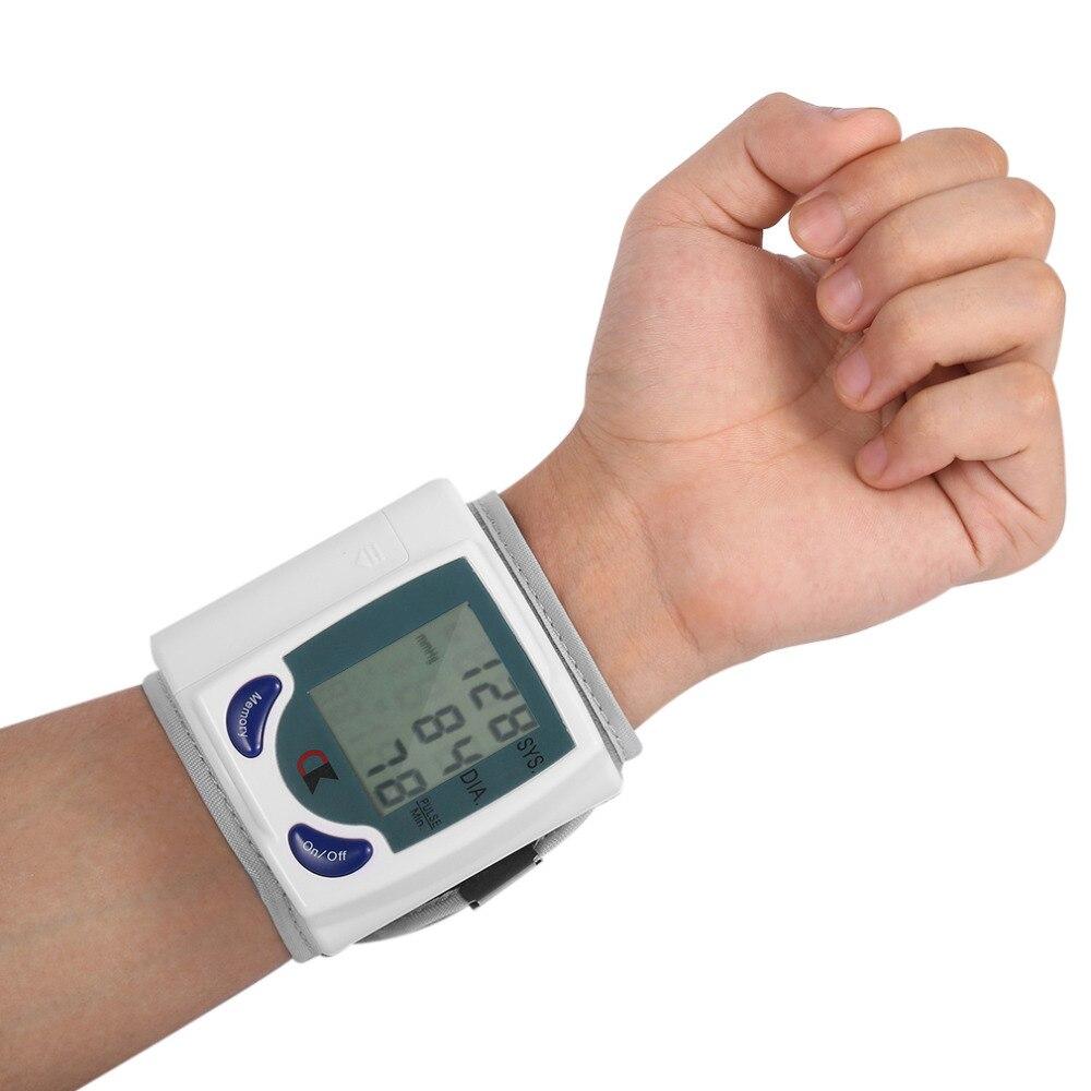 2017 Home automático muñeca Digital Lcd Monitor De presión arterial medidor De tonómetro portátil para medidor De presión arterial oxímetro De Dedo