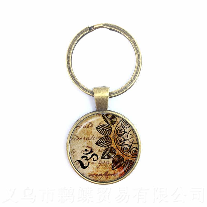 1 pçs/lote Yoga Jóias Chaveiro Símbolo OM Budismo Zen Único Henna Mandala Flor Vidro Corrente Chave Chaveiro Artesanal