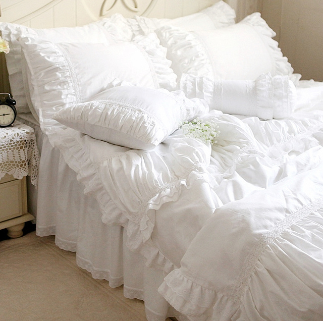 Luxury White Lace Ruffle Bedding Set Twin Full Queen King