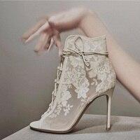 2019 Лидер продаж с черными и белыми цветами кружева носок ботильоны открытый носок босоножки на высоких каблуках женские короткие ботинки о