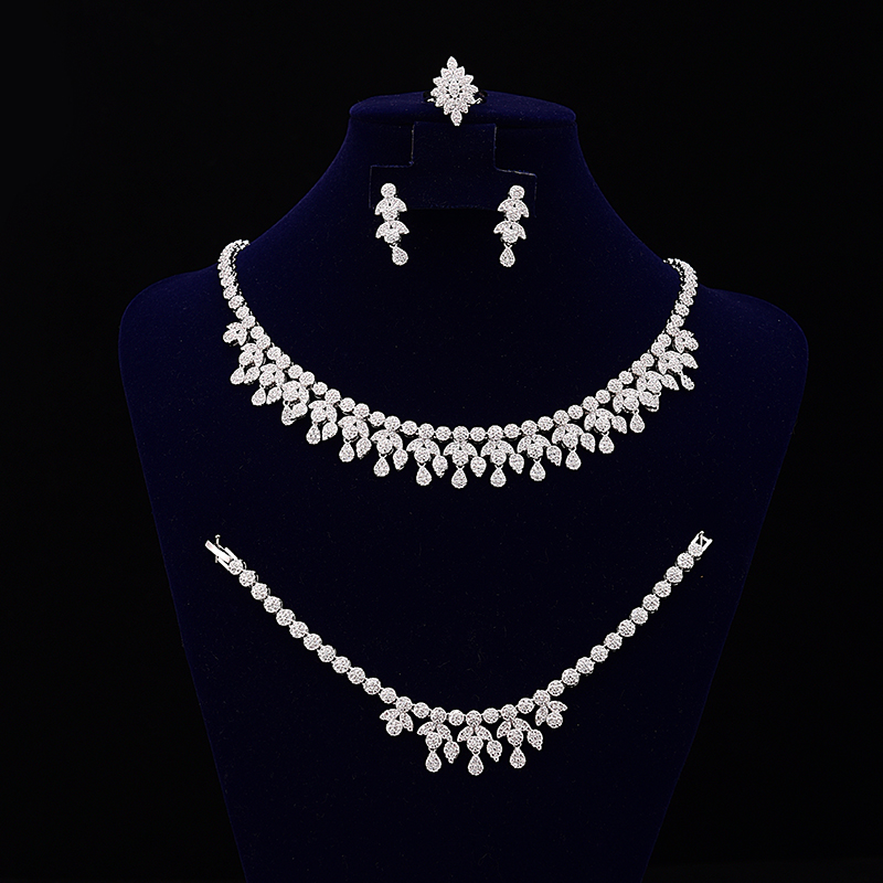 Bijoux de mariage Design à la mode pour les femmes élégant luxe dames bijoux CNY0035 avec ensemble de collier en acier inoxydable de haute qualité