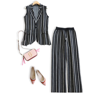 Black and white vertical stripes sleeveless waistcoat leggings suit female 2019 spring and autumn new knitted two piece suit