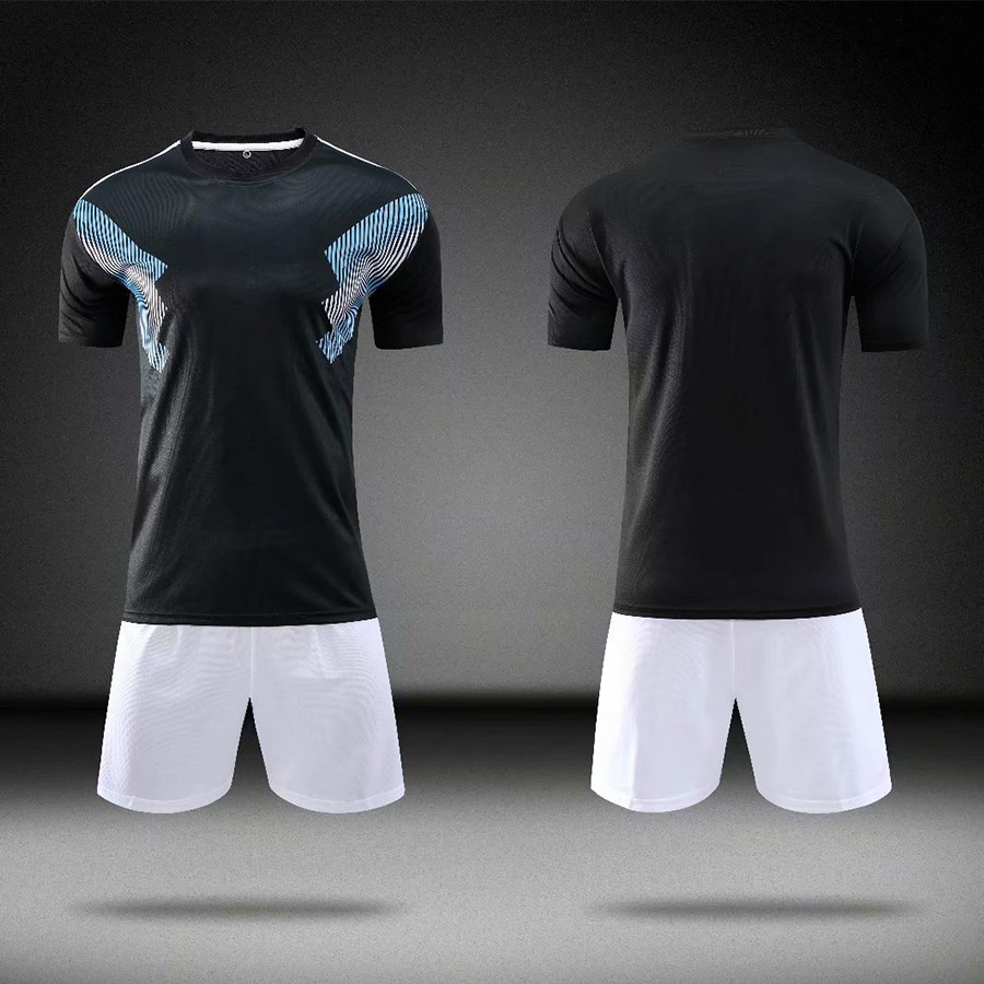 18 19 blank men 39 s football T shirt children 39 s sports club jersey short sleeved shorts custom football training clothes in Soccer Sets from Sports amp Entertainment