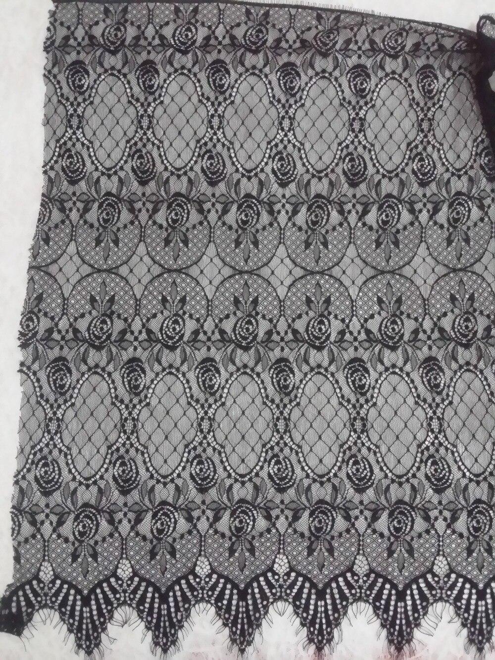 07f26a95f5466 65 سنتيمتر مادة امرأة فستان الدانتيل الأسود رمش شانتيلي الدانتيل النسيج  واسعة