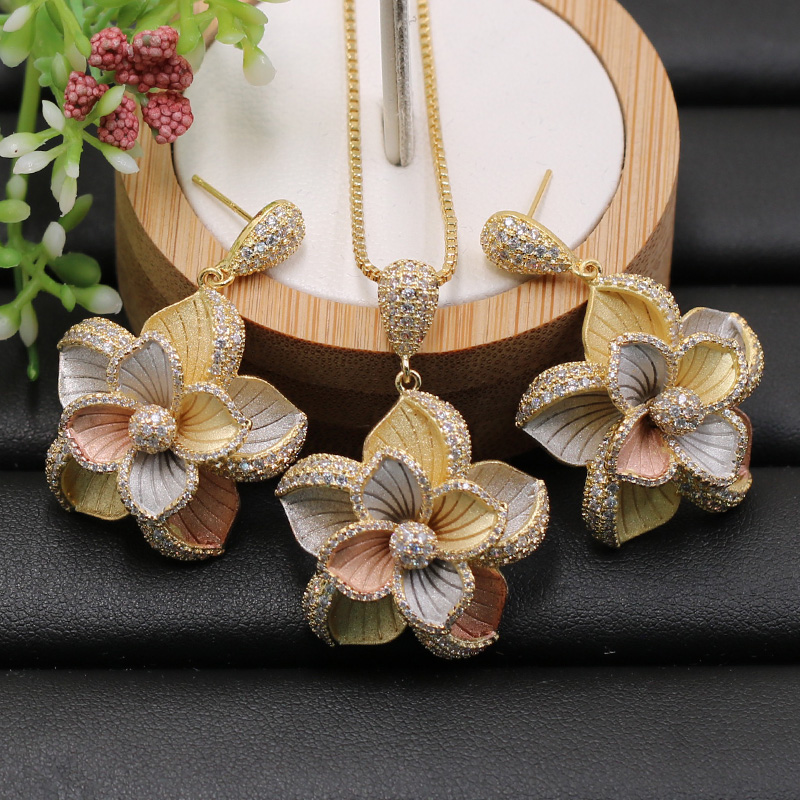 Lanyika Jewelry Set Dubai Indian Elegant Flowers Necklace with Earrings for Engagement Banquet Wedding Popular Luxury