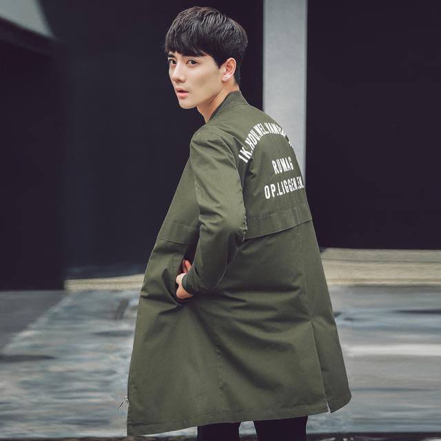 Novo 2017 primavera carta moda de impressão na parte de trás versão solta trincheira homens do revestimento ocasional dos homens casaco tamanho m-3xl 2-cores FY5