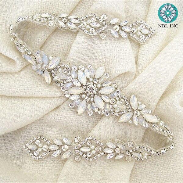 (30 sztuk) sprzedaż hurtowa pasek do sukni ślubnej rhinestone aplikacja dla nowożeńców zroszony kryształ aplikacja żelazko na sukienki ślubne WDD0919 w Kryształy górskie od Dom i ogród na  Grupa 1