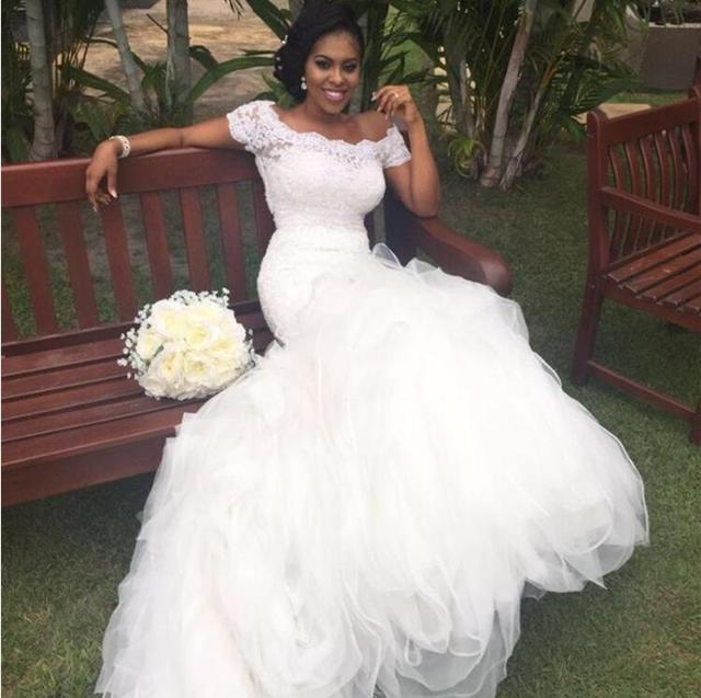 2018 Organza Ruffles Wedding Dresses Off The Shoulder Lace Mermaid African  Nigerian Bridal Gown Wedding Gowns Vestido De Noiva 725ee6fe2453