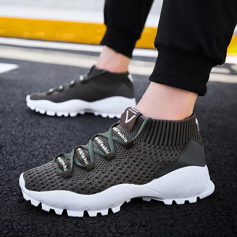 e533fc099 2019 Novo Tecido Meias Sapatos Sapatos Moda masculina Sapatos Casuais  Conforto Respirável Primavera E Outono Sapatos Casuais Homens Tênis