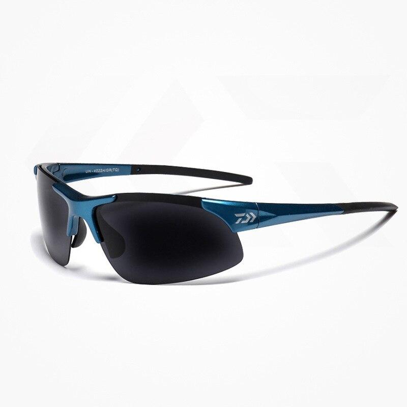 bd2e187f16 Daiwa Men Outdoor Sport Polarized Fishing Eyewear Women Fishing Glasses  Cycling Climbing Sun Glasses With Resin Lenses-in Fishing Eyewear from  Sports ...