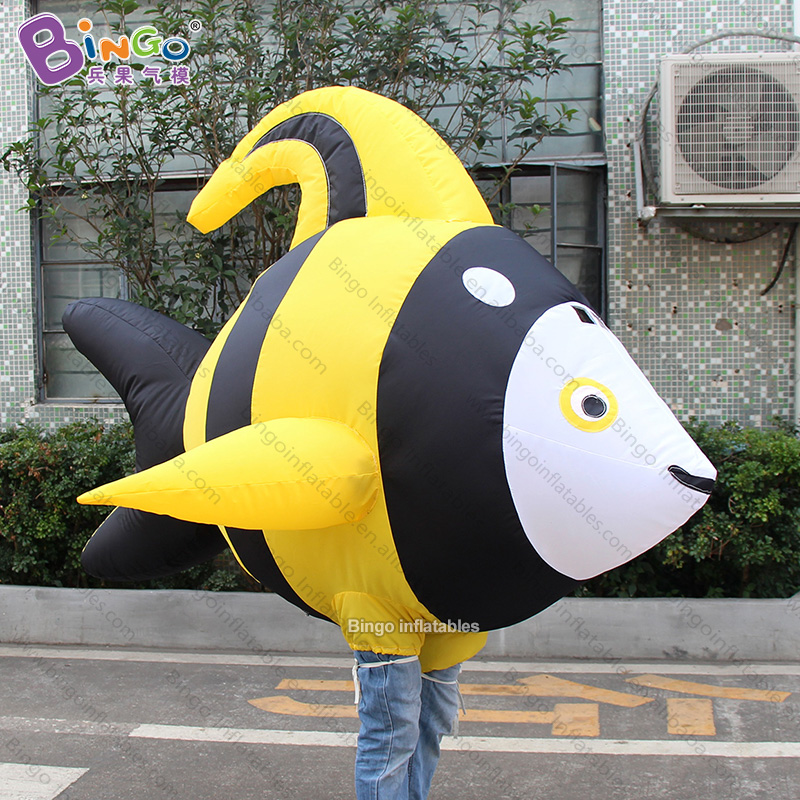 Personalized 2m Length Inflatable Yellow Fish Costume / Inflatable Walking Fish Mascot / Inflatable Walking Fish Balloons Toys Lustrous