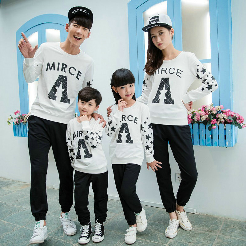 Matching family clothing set 2015 autumn style winter for Matching denim shirt and jeans