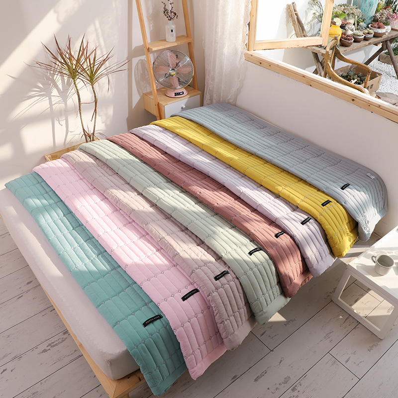 Macaron Solid Color Bedspread Soft Summer Comforter Quilts Washable Bed Quilt Air Conditioned Quilt Duvet Adults Summer Quilt
