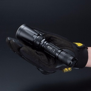 Image 2 - TOPSALE NITECORE SRT7GT 1000 Lumen 4 Colors Light Flashlight Smart Selector Ring Waterproof Search Torchin Fishing 18650 Battery
