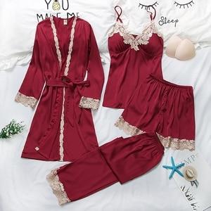 Image 4 - Vrouwen Pyjama 4 Pc & 5 Stuk Satijn Nachtkleding Pijama Zijde Thuis Kleding Borduren Slaap Lounge Pyjama Met Borst Pads pyjama Set