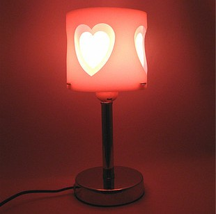Nice Modern Brief Fashion Princess Bedroom Lamp Small Table Lamp Fashion Heart  Desk Lamp Indoor Lighting Fixtures