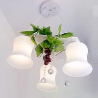 Современный белый сад Хрустальные подвесные светильники Пластик виноград висит Спальня подвесные светильники зеленый ткань листьев подве