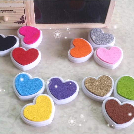 12color Mini Love Heart Cute Inkpad Craft Oil Based Diy Ink Pads For Rubber Stamps Scrapbook Wedding Decor Fingerprint Stamp Pad