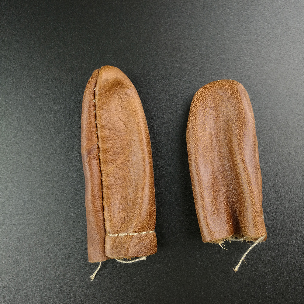 1 Pair Cowhide Safe Leather Needle Felting Hand Craft Embroidery Tool for Thumb Index Finger Protector Thimble Protection Guard