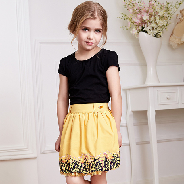 Мини юбки девочек