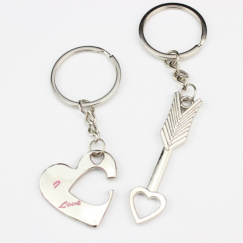 SUTI Wholesale Couple Letter Keychain Lovers Heart Keyring Cartoon Key Pendants Couple G ...
