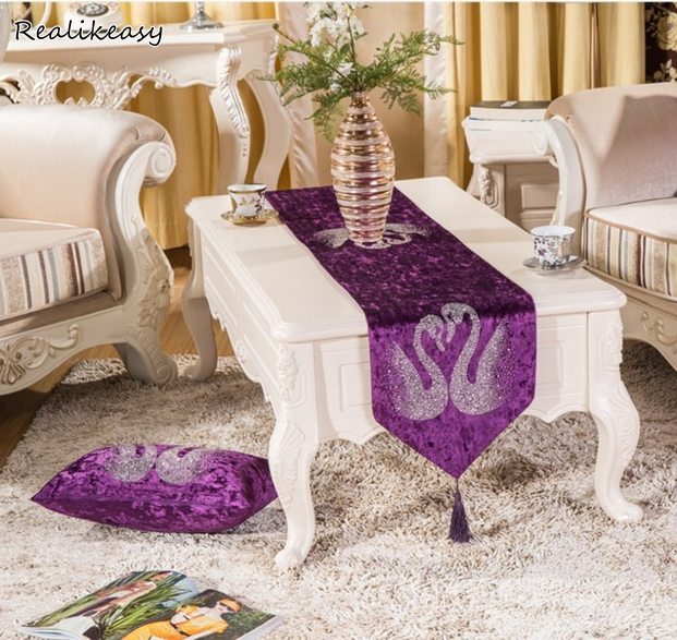 High Quality New European Style Velvet Sequin Table Runner Cloth Luxury For Wedding Dining Table Decorations Swan Printed LFB190