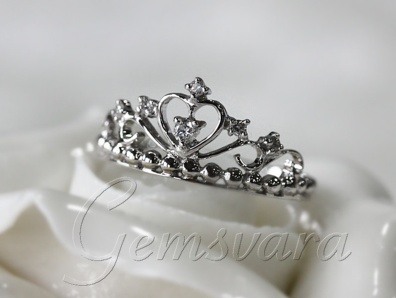 Best Of Gold Ring with Heart and Crown | Jewellry\'s Website