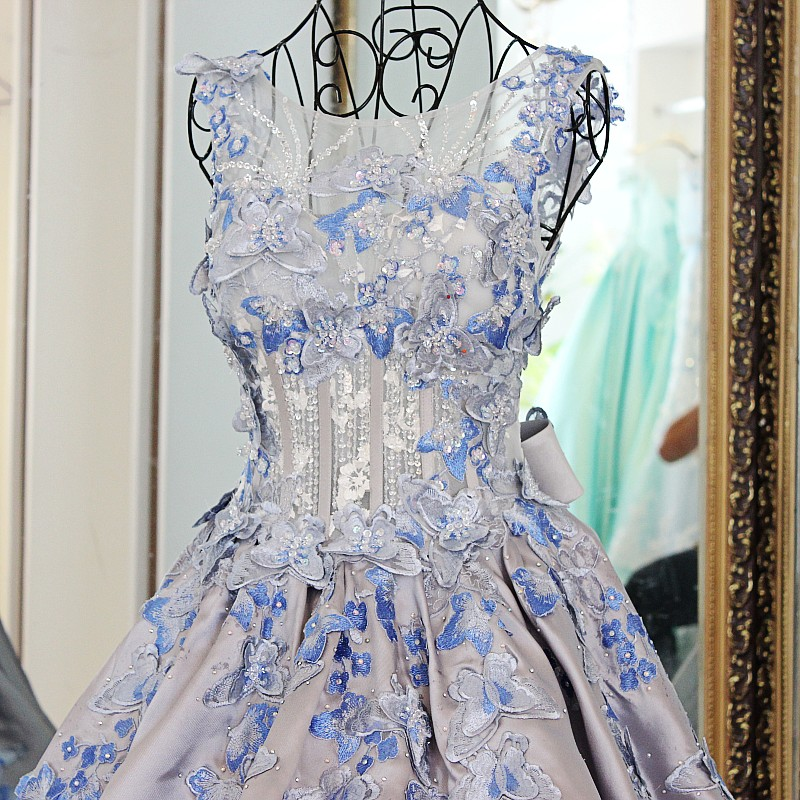 Бальное платье для женщины фото