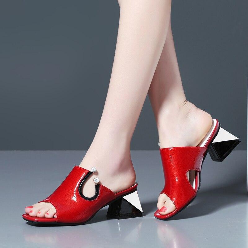 Ayakk.'ten Yüksek Topuklular'de Kadın Inek Deri Terlik Yaz Tarzı Hakiki Deri Kare Yüksek Topuklu Sandalet Üzerinde Kayma Moda Yaz Ayakkabı Sandalias Mujer'da  Grup 1