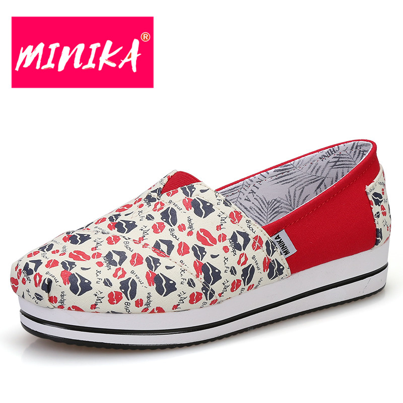 MINIKA New Arrival 2017 Flat Shoes Women Colorful Flowers Pattern Platform Shoes Women Comfortable Slip-On Casual Shoes Women minika new arrival 2017 casual shoes women multicolor optional comfortable women flat shoes fashion patchwork platform shoes
