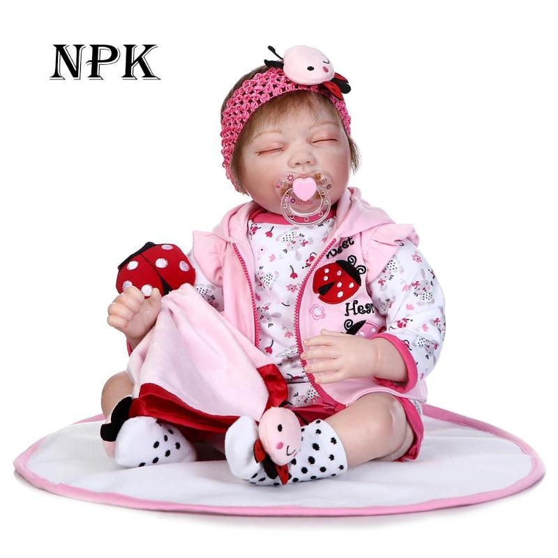 цена Soft Silicone 3D Cute Baby Doll Toys Artificial Realistic Reborn Baby Doll Cloth Dolls Lifelike Lovely Kids Girls Dolls Play Toy