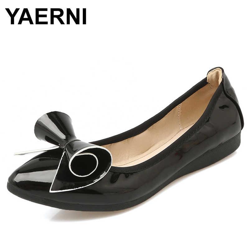 Yaerni Ukuran Besar untuk Wanita Sepatu Comfort Menunjuk Toe Paten Kulit Lipat Balet Flat Portabel Perjalanan Flats Sepatu E725
