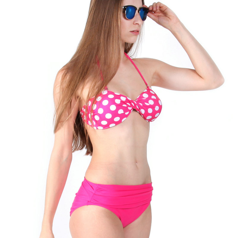 Ahead, the experts at Swimsuits For All, Panache, and Shoshanna offer great tips to navigate the tricky (salt or chlorinated) waters of swimwear. Click through for their insider insight, as well.