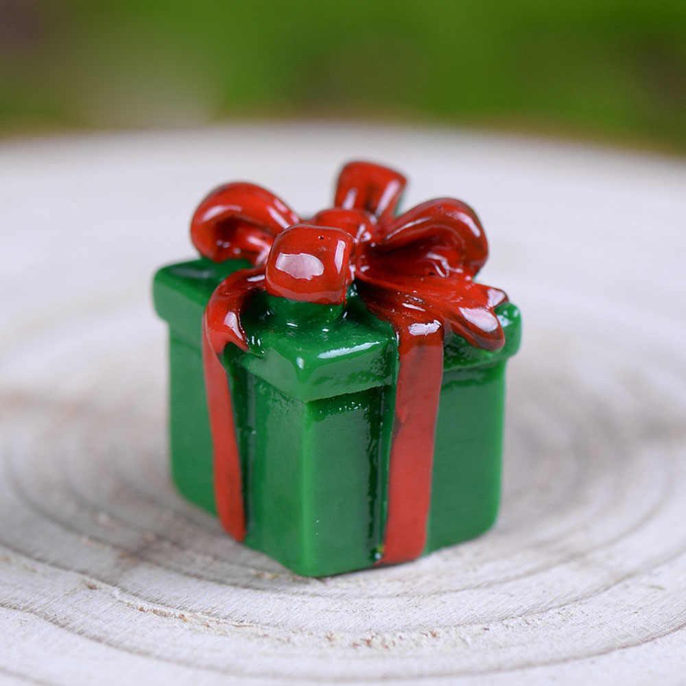 Miniature Christmas Tree Santa Claus Snowmen Snow Duck Terrarium Accessories Gift Box Fairy Garden Figurines Doll House Decor