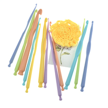 Hand-knitted Needles Crochet 12 Pieces Multi Color Hooks Kit Handles Knitting Set CH004