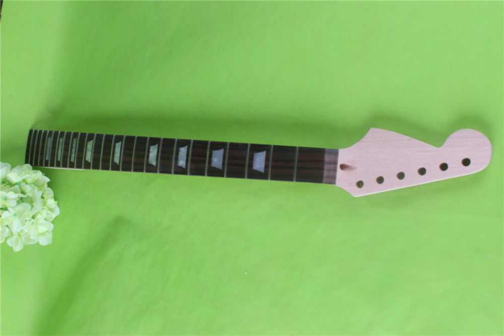 New 24 fret One Good Unfinished electric guitar neck left mahogany made and rosewood fingerboard black color 24 frets holt on one electric guitar neck mahogany wood and rosewood fingerboard 171