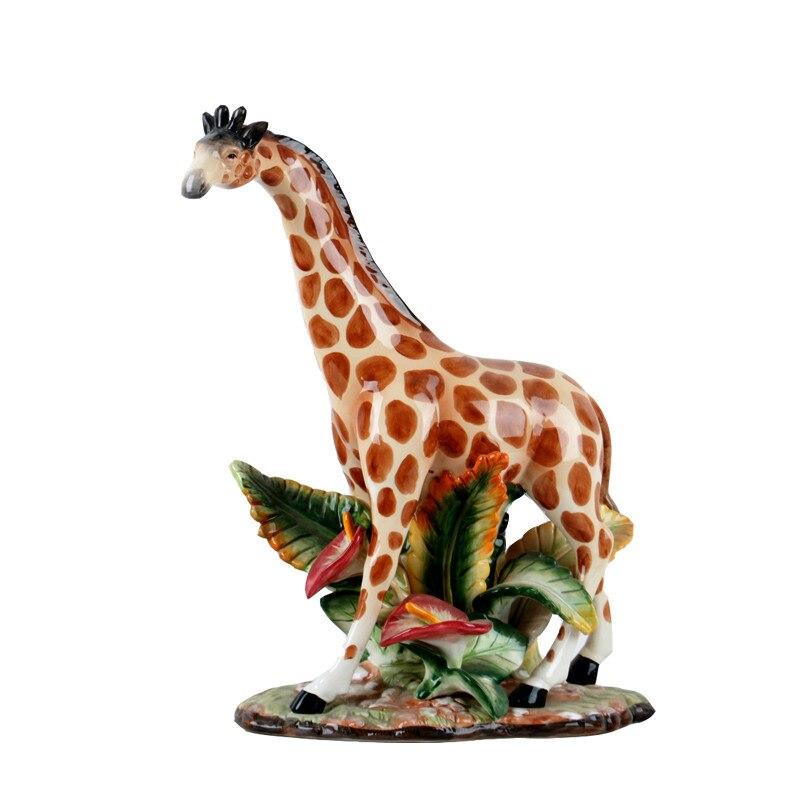 European style Ceramic Decor Far sighted Giraffe Desktop Display Animal Shape Home Living Room New Home Gift M1908