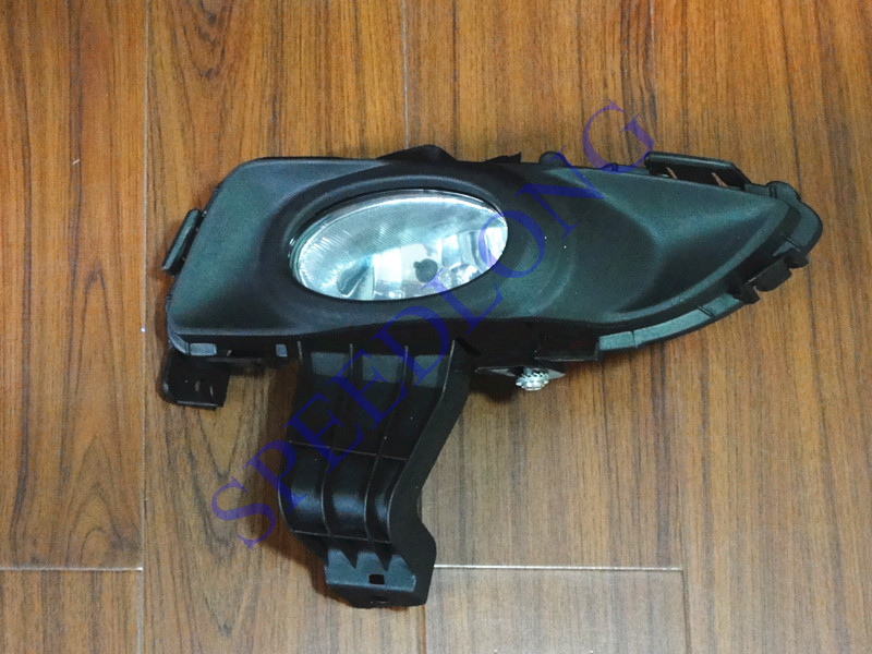 1 Piece LH left side Front driving lamp bumper fog light with cover for Mazda 3 2003-2005 1 set left side driving lamp front fog light and fog lamp cover bezel assembly for mazda cx 5 2013 2015