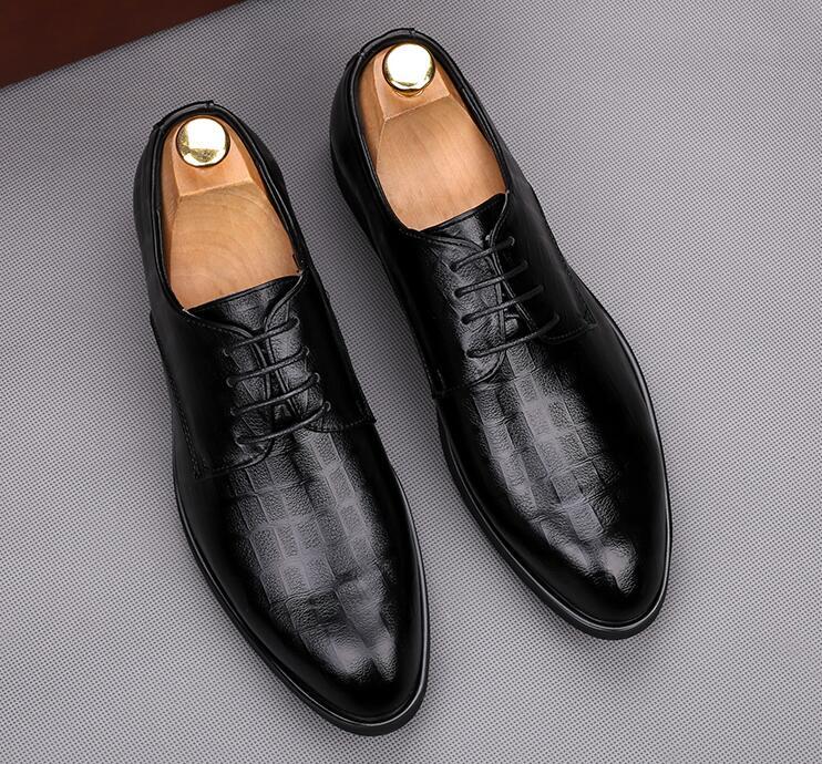 81d1e4315 Os Masculino Sapatos Casamento Moda Homem Couro up Lace 2 Vestem Apontou  Baile Homens Luxo Noivo ...